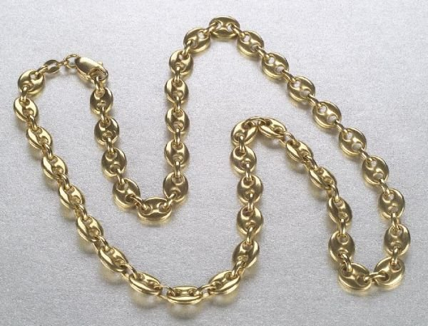 673: AN 18K YELLOW GOLD NECKLACE. Of Gucci st