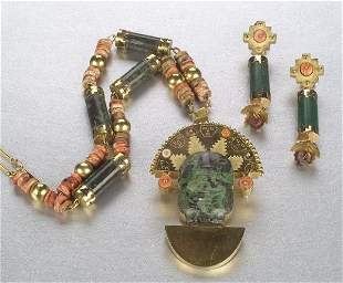 A PRE-COLUMBIAN STYLE NECKLACE AND EARRI