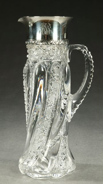 8: A TIFFANY & CO. STERLING MOUNTED CUT CRYST