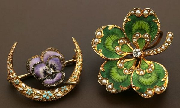 719: TWO 14K YELLOW GOLD ART NOUVEAU BROOCHES