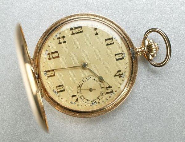 1259: A GENTLEMAN'S 14K YELLOW GOLD HUNTER-CASE POCKETW