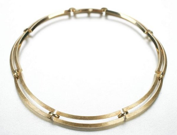 1271: AN 14K YELLOW GOLD NECKLACE.
