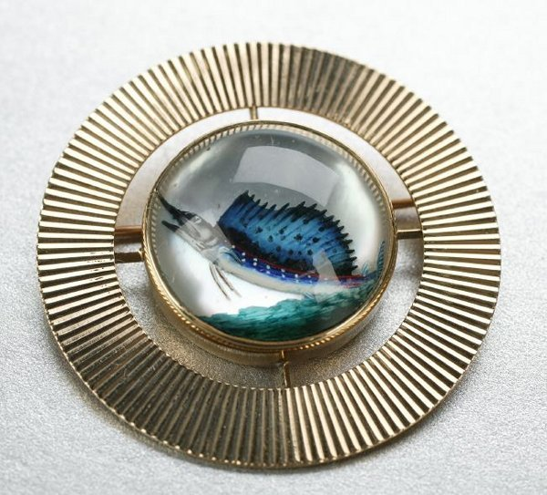 1272: A 14K YELLOW GOLD, CRYSTAL AND ENAMEL INTAGLIO BR