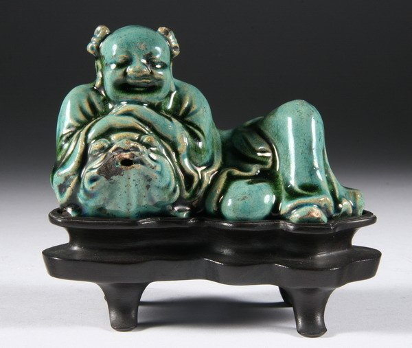 18: CHINESE GREEN PORCELAIN FIGURAL WATER DROPPER, Qing