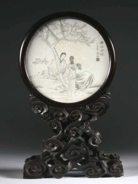 20: CHINESE GRISAILLE AND WHITE PORCELAIN CIRCULAR TABL
