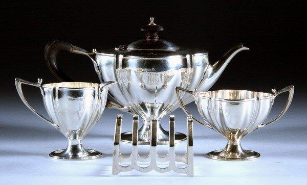 388: EDWARDIAN SILVER THREE-PIECE TEA SET. Mappin Broth