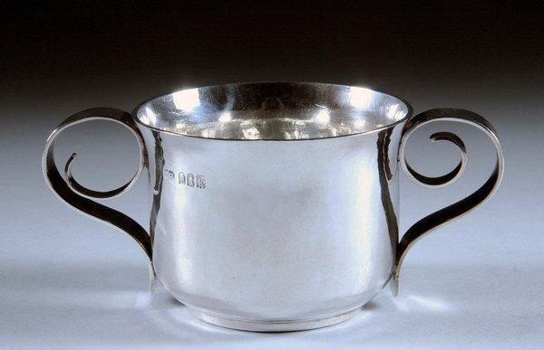 389: EDWARDIAN SILVER CUP. London, 1905, Britannia Stan