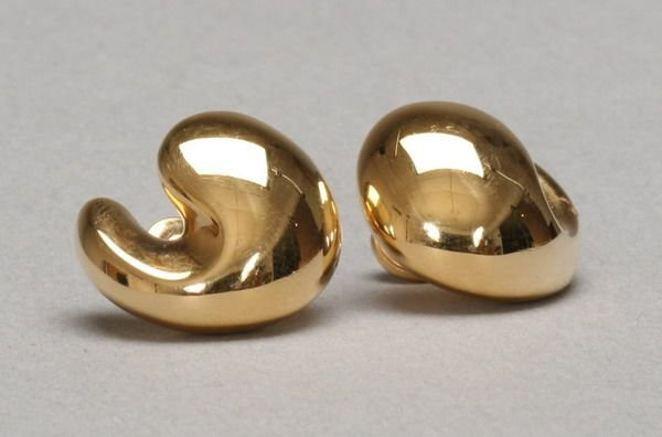 995: PAIR 18K YELLOW GOLD PUFFED COMMA SHAPE POST-BACK