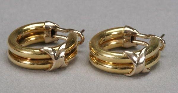 1007: PAIR 18K YELLOW GOLD HOOP EARRINGS.