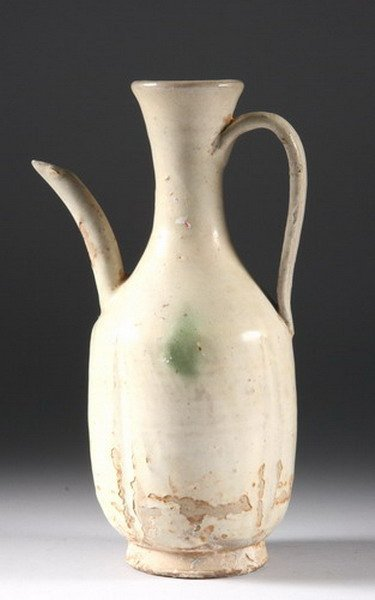 6: CHINESE POTTERY EWER, Liao-Yuan dynasty. - 10 in. hi