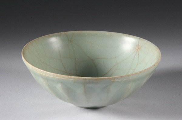 12: CHINESE CELADON PORCELAIN BOWL, Song dynasty. - 6 3