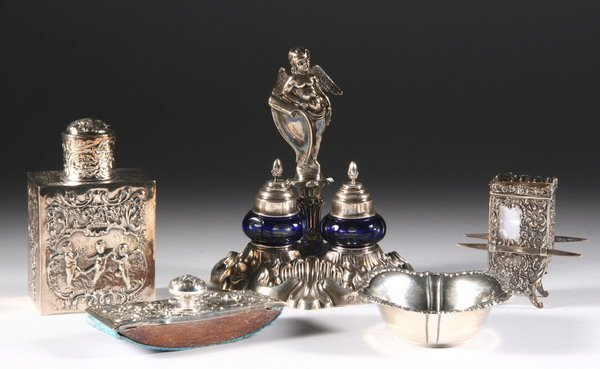 529: FOUR CONTINENTAL SILVER ITEMS. - 5 oz., 2 dwt., we