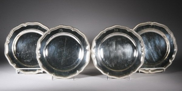 535: SET FOUR TIFFANY & CO. SILVERPLATED CHARGERS . - 1