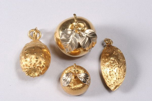 1022: FOUR BRAZILIAN 18K YELLOW GOLD PENDANTS/CHARMS,