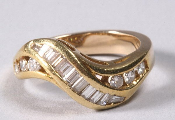 1027: DIAMOND RING.