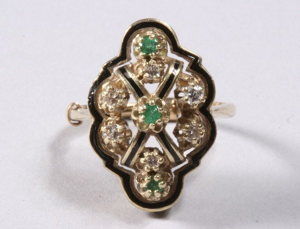 1034: 14K YELLOW GOLD, ENAMEL, EMERALD AND DIAMOND RING