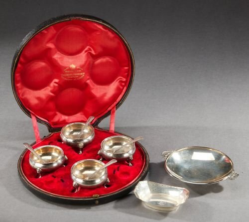 2: A SET OF FOUR VICTORIAN SILVER SALTS, TWELVE SILVER