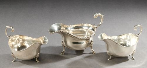 6: A VICTORIAN SILVER SAUCE BOAT AND A PAIR OF EDWARD V