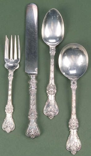 15: A FORTY-TWO PIECE WHITING SILVER PARTIAL FLATWARE S