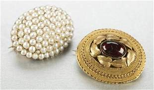 TWO VICTORIAN BROOCHES.