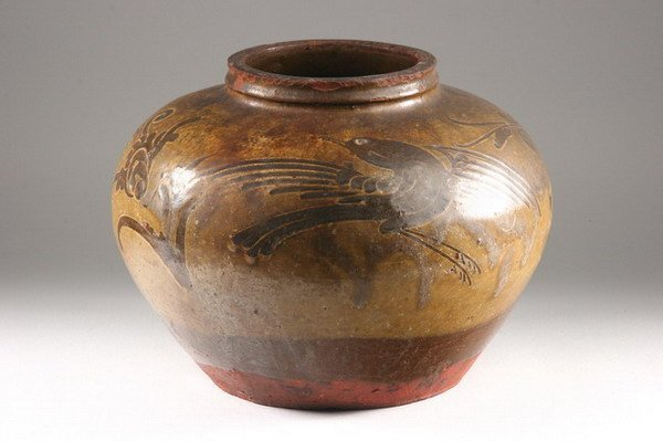 8: CHINESE CIZHOU STYLE JAR, Ming dynasty. - 9 in. high