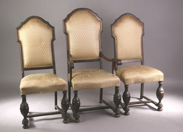 657: SET OF SIX RENAISSANCE REVIVAL WALNUT DINING CHAIR