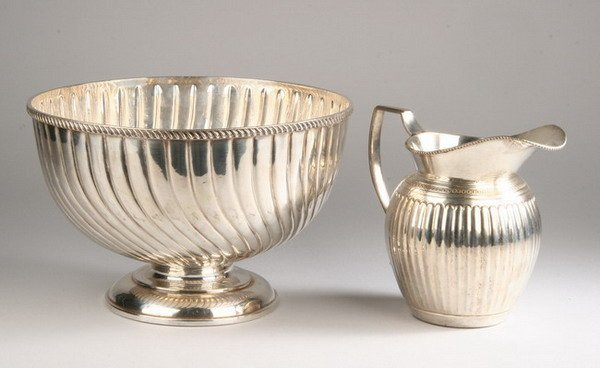 700: SILVER PLATED PUNCHBOWL AND PITCHER. - 11 in. diam