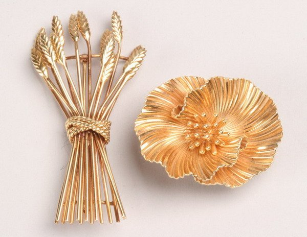 1237: TWO 18K YELLOW GOLD BROOCHES.
