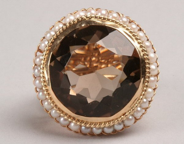 1252: 14K YELLOW GOLD, SMOKY TOPAZ AND PEARL RING.