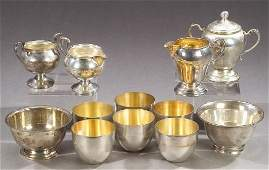 31: A COLLECTION OF AMERICAN STERLING HOLLOWWARE. - wei