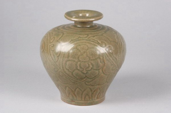 5: CHINESE YAOZHOU PORCELAIN VASE, Song dynasty. - 6 in