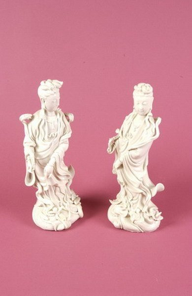 19: PAIR OF CHINESE BLANC-DE-CHINE PORCELAIN FIGURES OF