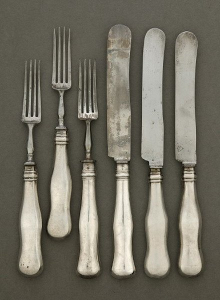 751: 18 AUSTRO-HUNGARIAN FORKS AND KNIVES, Late 19th/ea