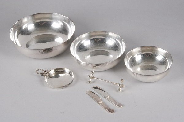 755: GROUP CHRISTOFLE SILVER PLATED ITEMS. - 6 3/4 in.