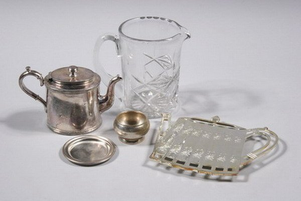 767: GROUP OF SILVER PLATED HOLLOWWARE. - 6 1/4 in. hig