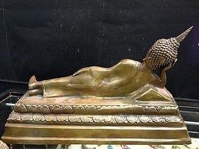 16: Thai reclining buddha in bronze