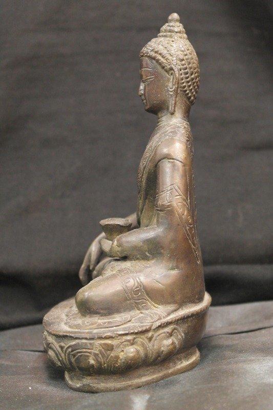Antique bronze Shakyamuni buddha