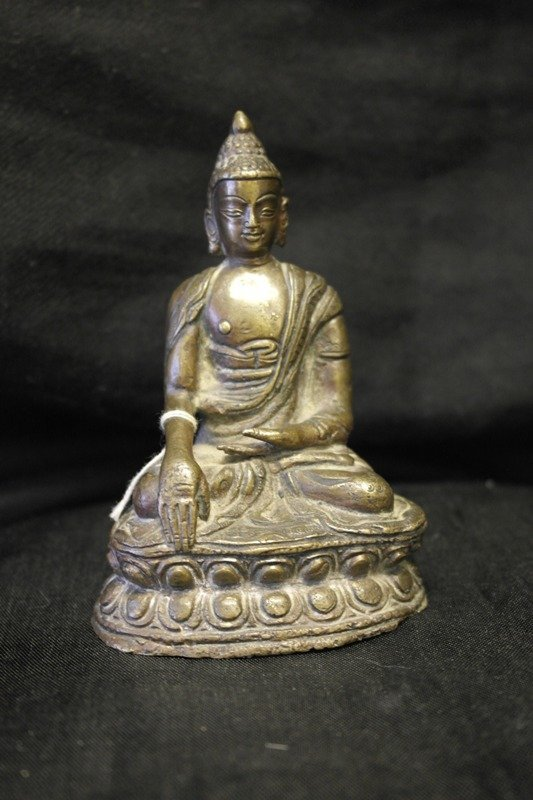 Shakyamuni buddha in gilt bronze circa Ming dynasty