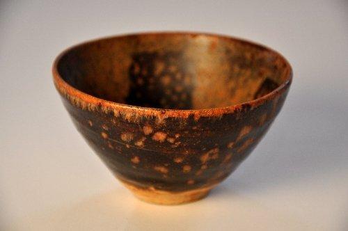 A Jizhou tortoiseshell glaze pottery vase with papercut