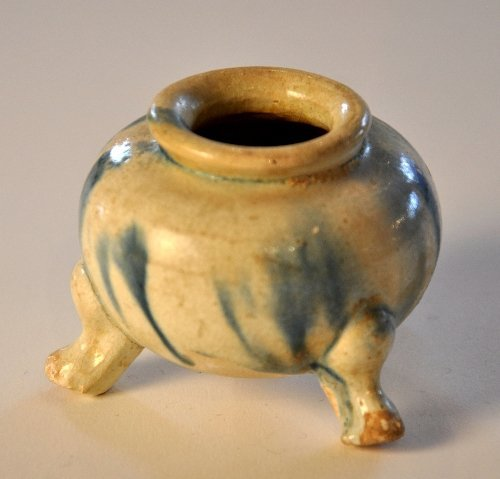 A Chinese Tang Dynasty blue splashed sensor Height 5 cm