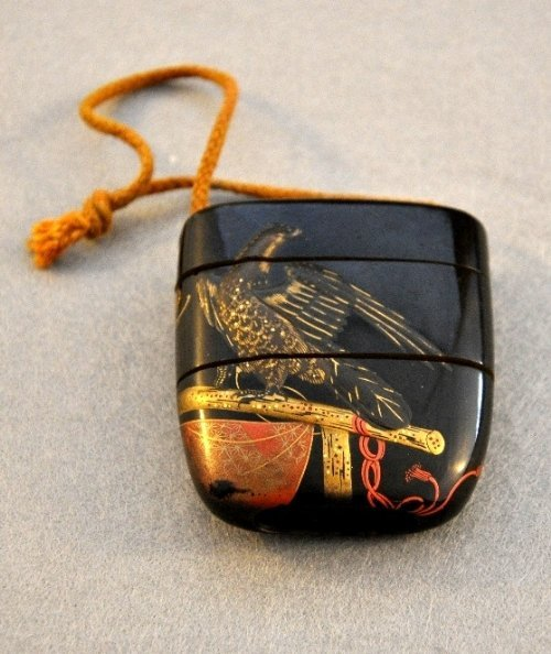 An Edu period Japanese lacquered Inro with eagle motif