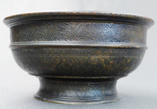 A probably C18th Sino-Indonesian bronze basin with