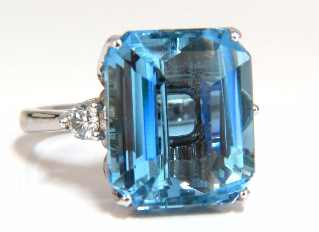15.74ct Natural Prime Swiss Blue Topaz Diamonds Ring 18