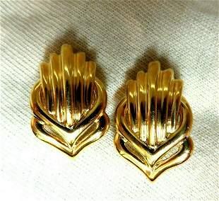 Retro Emblem Shell Statement Clip Gold Earrings 18 Kara