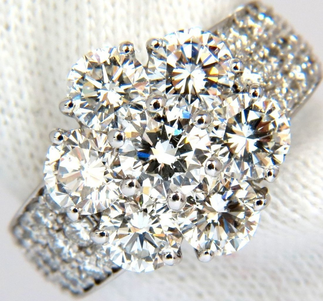 4.18CT EXCELLENT BRILLIANT CLUSTER DIAMOND RING 18KT