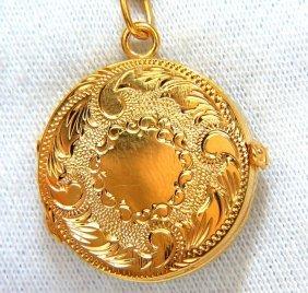 14kt 19 Grams Circular Victorian Gilt Pattern Locket