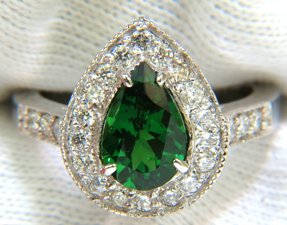 2.56CT NATURAL BRIGHT FINE GEM GREEN TSAVORITE DIAMOND
