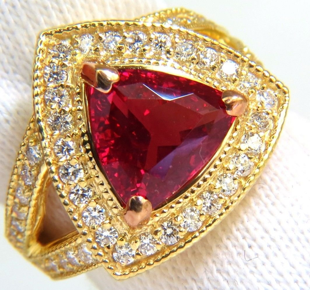 GIA 4.88CT NO HEAT CLASSIC VIVID RED SPINEL DIAMOND