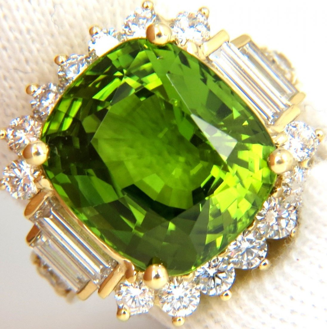 GIA 17.71CT NATURAL VIVID GREEN PERIDOT DIAMOND RING