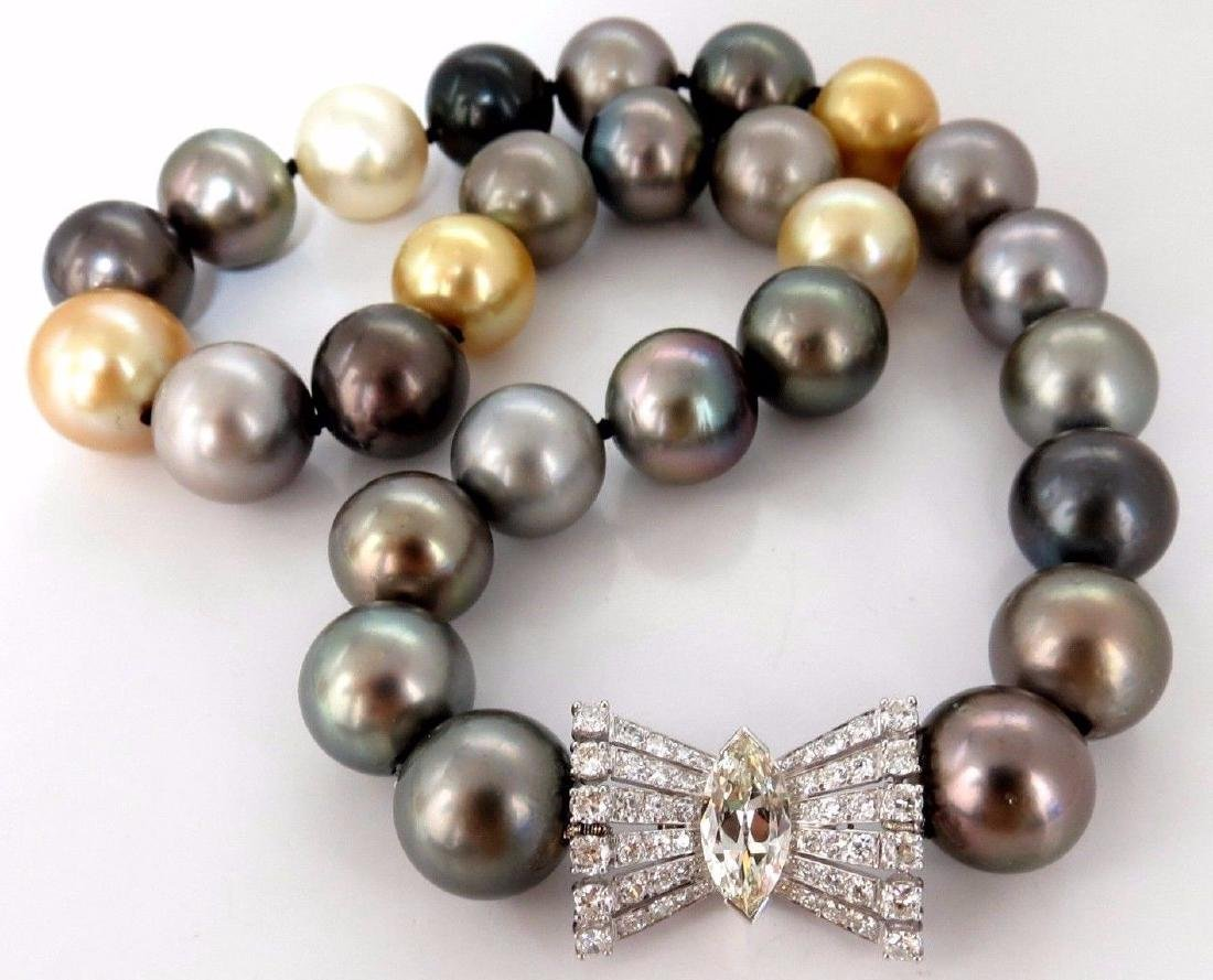 GIA certified Natural Tahitian Pearl Necklace 4.00ct.
